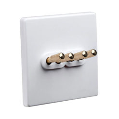 Tex White With Brass Toggle, 4 Lever